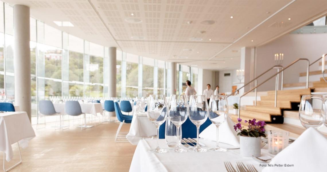 Oseana Kafé & Restaurant i Oseana Kunst og Kultursenter i Os
